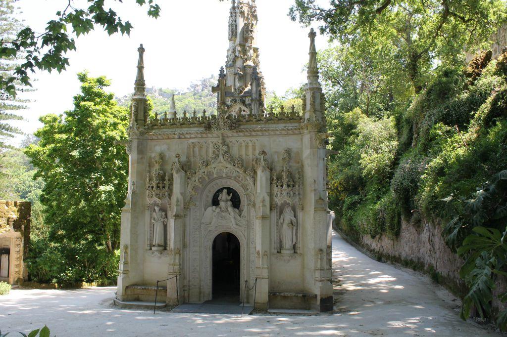 Portugal-Sintra-Quinta-Regaleira-Capela-Santíssima-Trindade